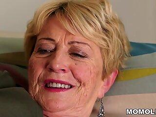 Granny's hair cootchie got porked