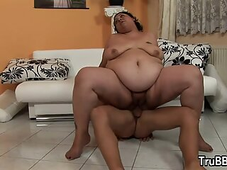 Desperate Plumper Rescued by a Pervert and Rewards Him with Sex