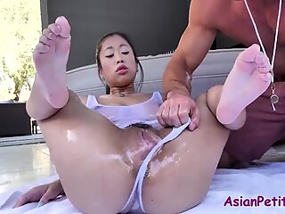 Asian slut oiled and massage for all wrong reasons