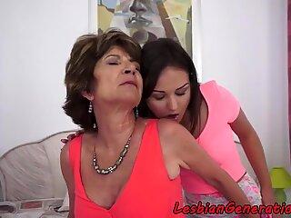 Queening mature seduces young lesbo