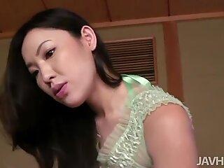 Naughty Asian babe Kaori Akitsu is amazing cock sucker